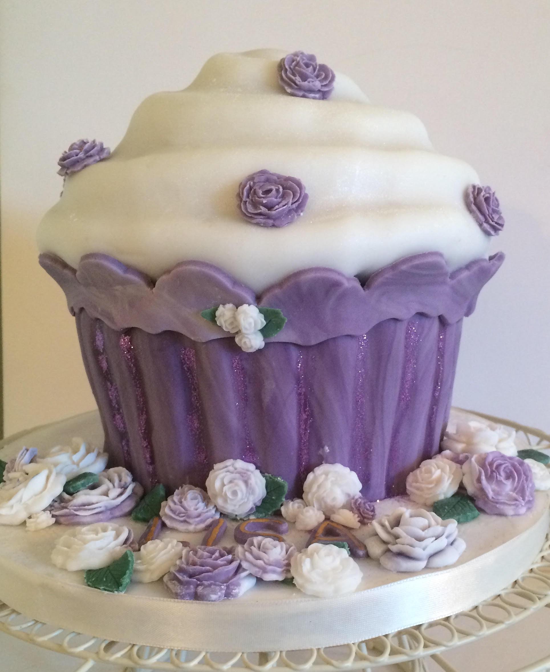Birthday Cake for Lisa - Village Green Bakes